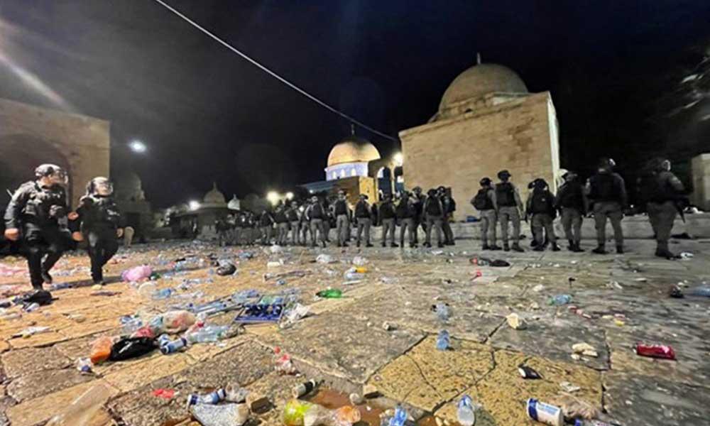 İsrail polisi Mescid-i Aksa'ya saldırdı! 178 Filistinli yaralandı