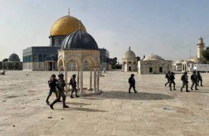 İsrail'den nöbetteki Filistinliler'e saldırı