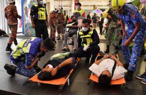 Malezya'da 2 metro çarpıştı! 213 yaralı