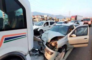 Muğla'da otomobil ile minibüs çarpıştı: 7 yaralı