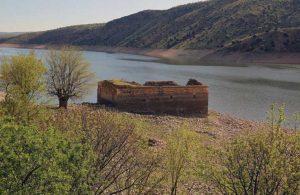 Baraj suları çekildi, tarihi kilise ortaya çıktı