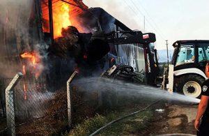 Manisa'da besi çiftliği yangını: 700 ton saman ve yem kül oldu