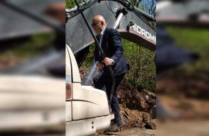 Mahmut Tanal doğa katliamını iş makinesinin üstüne çıkarak durdurdu