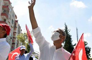 Başkan Vahap Seçer ve Haluk Bozdoğan, 19 Mayıs coşkusunu halkla birlikte yaşadılar