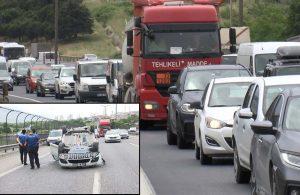TEM'de araç takla attı, trafik kilit