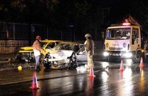 Şişli'de virajı alamayan otomobil taksi ile çarpıştı! 5 kişi yaralandı
