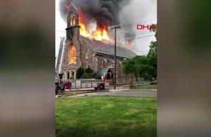 Tarihi Katolik kilisesinde yangın