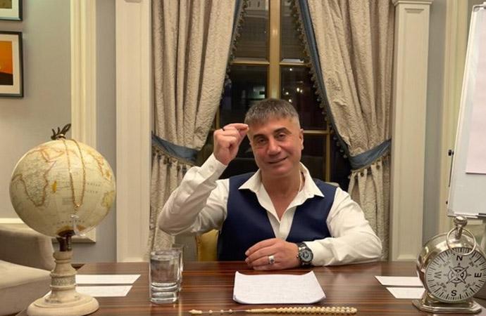 Yakalandı iddialarının ardından Sedat Peker gece yarısı ortaya çıktı