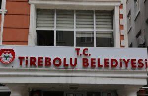 AKP'den CHP'ye kalan borç sebebiyle belediyede sadece tabela kaldı!