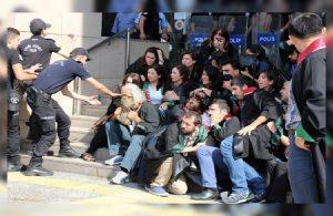 Polis şiddetini kınayan polisin meslekten çıkarılması isteniyor