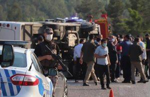 Lösemili öğrencileri taşıyan otobüs kaza yaptı: 4'ü ağır 15 öğrenci yaralandı