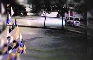 Polise saldırdı, polis otosuna binerek kaçtı