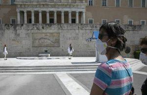 Yunanistan'dan aşı olan gençlere 150 avro
