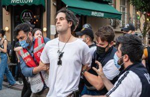 Onur Yürüyüşü'nde gözaltına alınan Kahya anlattı: Herkes sussun isteniyor
