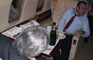 Egemen Bağış'ın uçakta içtiği şampanyanın dudak uçuklatan fiyatı