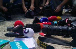 Gazeteciler tek ses: Nefesimizi kesemezsiniz!