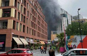 Londra'da tren istasyonunda patlama ve yangın