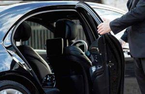 Bakanlık AKP'liden 15 aracı 2 milyon 862 bin liraya kiraladı