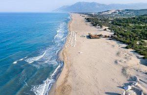 Yağma ve talan politikası: Patara Plajı'na da çöktüler