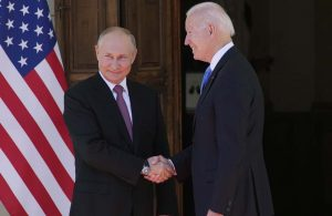 Dünyanın gözü burada! Biden ve Putin ilk kez bir araya geldi