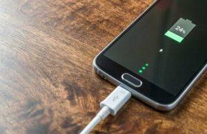 Telefonu gece şarjda bırakmak doğru mu? Telefona zarar verir mi?