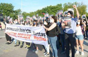 Yurttaş Meclisi'nden Kadıköy'de Eylem: Aydınlık bir ülke için Yurttaş soruyor