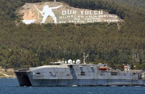 ABD gemisi, Çanakkale Boğazı'ndan geçti
