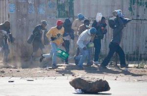 Güney Afrika'da şiddet tırmanıyor!
