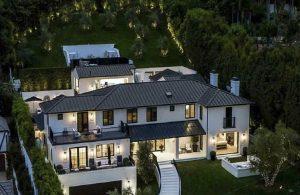 Rihanna, evine kiracı arıyor