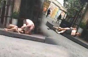 Beşiktaş'ta iki turist yarı çıplak halde kavga etti