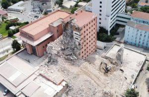 Haydarpaşa Numune Hastanesi'nde yıkım: Hasta ve sağlıkçılar asbeste maruz kalıyor
