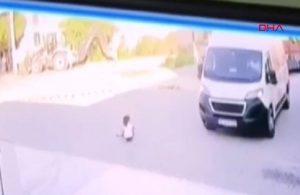 Kedi severken kamyonetin altında kalan çocuk, hayatını kaybetti