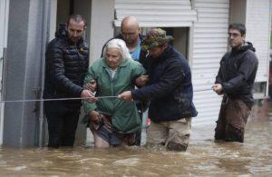 Avrupa'da sel felaketi: Ölü sayısı artıyor, bin 300 kişi aranıyor