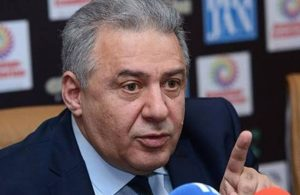 Ermenistan'da Savunma Bakanı istifa etti