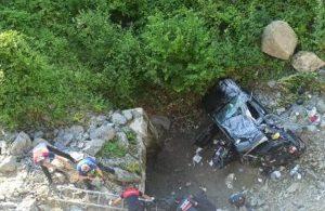 Bayram dönüşü kaza: 1 ölü, 3'ü çocuk 7 yaralı