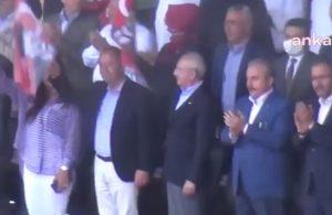 Meclis Başkanı ve AKP'liler Atatürklü Türk bayraklarını sallamadı