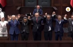 Saadet'ten istifa eden iki belediye başkanı AKP'ye geçti