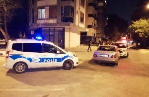 Kadıköy'de iki otomobil kundaklandı
