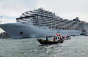 Bakanlar Kurulu onayladı: Kruvaziyer gemilerinin Venedik'e girişi yasaklandı