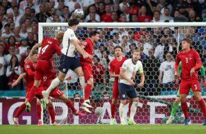UEFA'dan İngiltere'ye 30 bin euro 'lazer' cezası