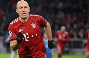 Robben futbolu bir kez daha bıraktı
