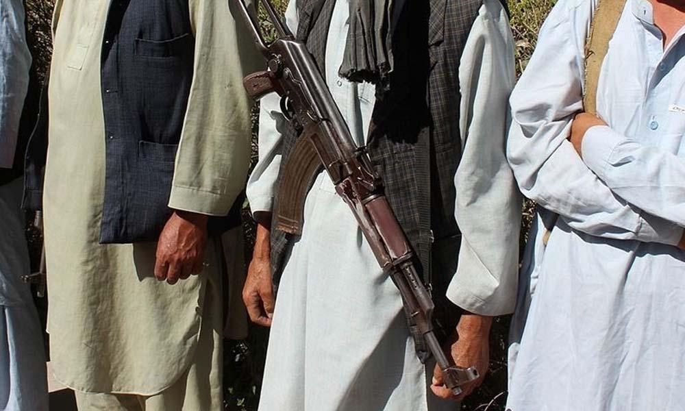 Taliban Afganistan'da 200'den fazla ilçe merkezini ele geçirdi