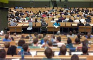 Memnuniyet Araştırması: Öğrenciler hocalarına ulaşamadı