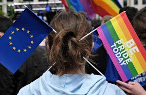 AB, Polonya ve Macaristan'ın LGBTİ+ karşı düzenlemeleri için düğmeye bastı
