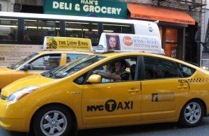 Sarhoş sanıp taksisine aldığı yolcu ölü çıktı