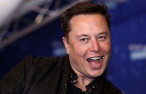 Elon Musk 'insansı robot' için tarih verdi