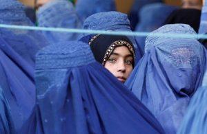 Afganistan'da bir kadın: Burka giyeceğimi hiç düşünmemiştim