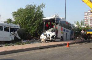 Mersin'de yolcu otobüsü devrildi: 33 yaralı