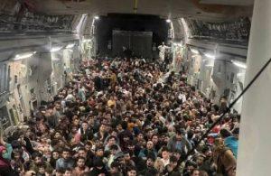 Afganistan'dan kalkan askeri uçakların tekerleklerinden insan bedeni çıktı!