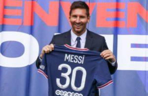 PSG'ye transfer olan Messi'nin formaları ilk 24 saatte rekor kırdı